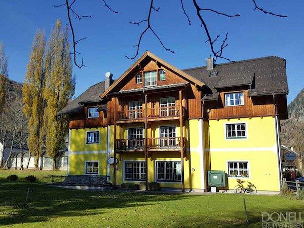 """Jugendgästehaus Mauser-Mühltaler (""""Die Villa"""")"""